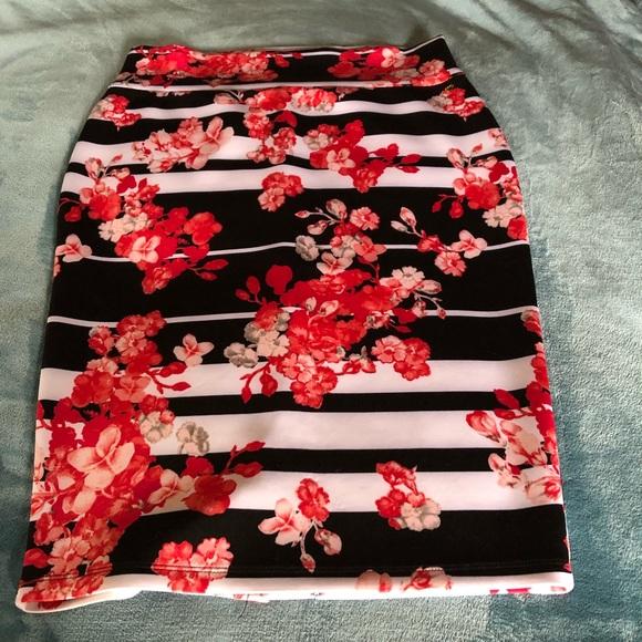 c38d872ed Thalia Sodi Skirts | Host Picfloral Scuba Pencil Skirt | Poshmark